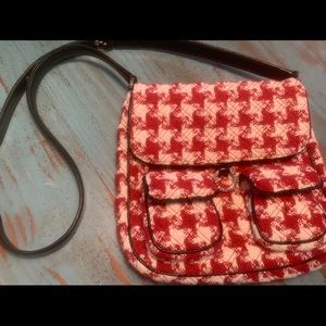 Vera Bradley wool red and creme hounds tooth bag.